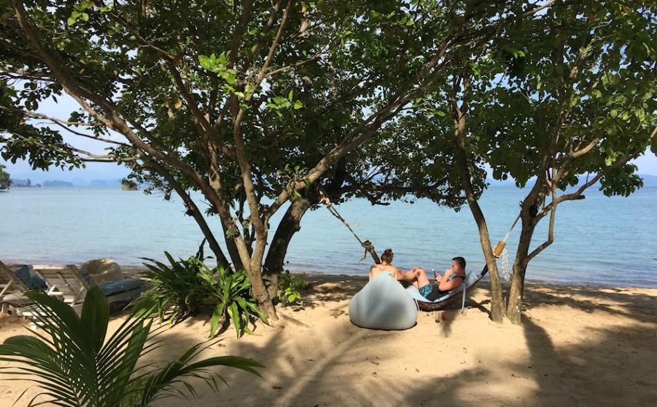 1000 relax am beach